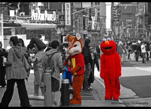 Elmo, NYC, New York City, Times Square, Alvin and the Chipmunks, Mike Crisolago